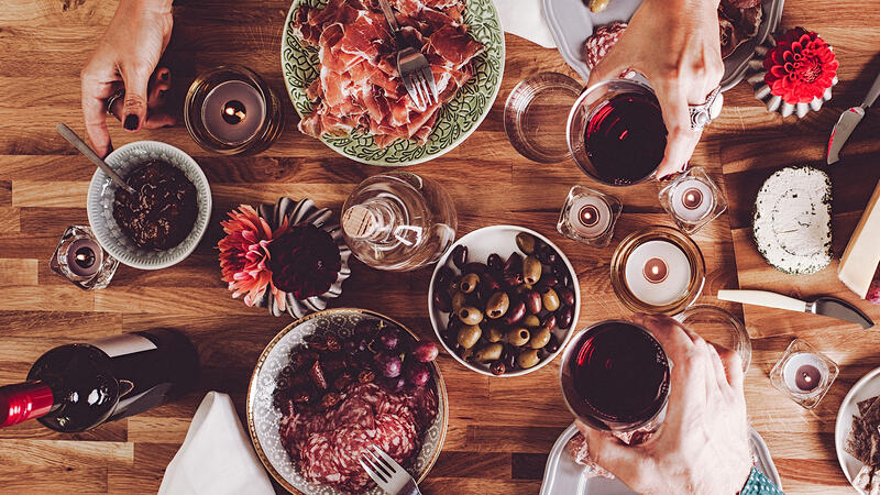 Is Wine Healthy? Depends How You Drink It