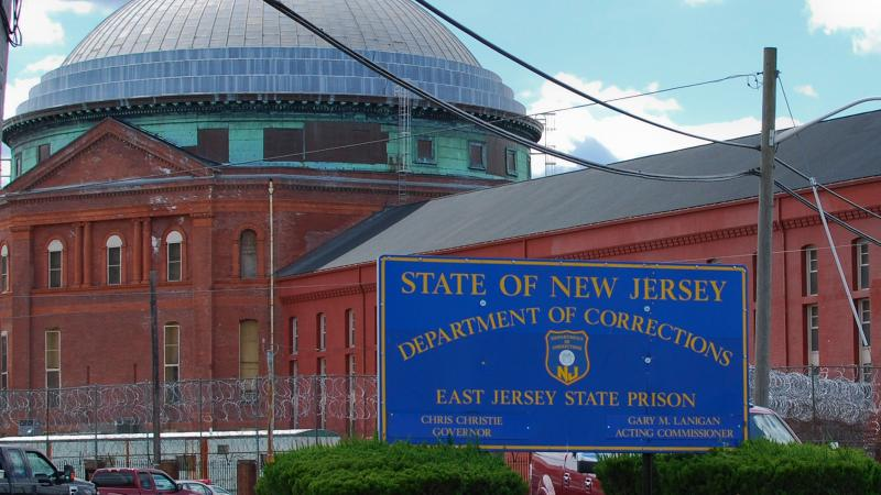 'Wine Spectator' Banned in New Jersey Prisons? Plus, 'Bachelor' Heads to Hall Winery