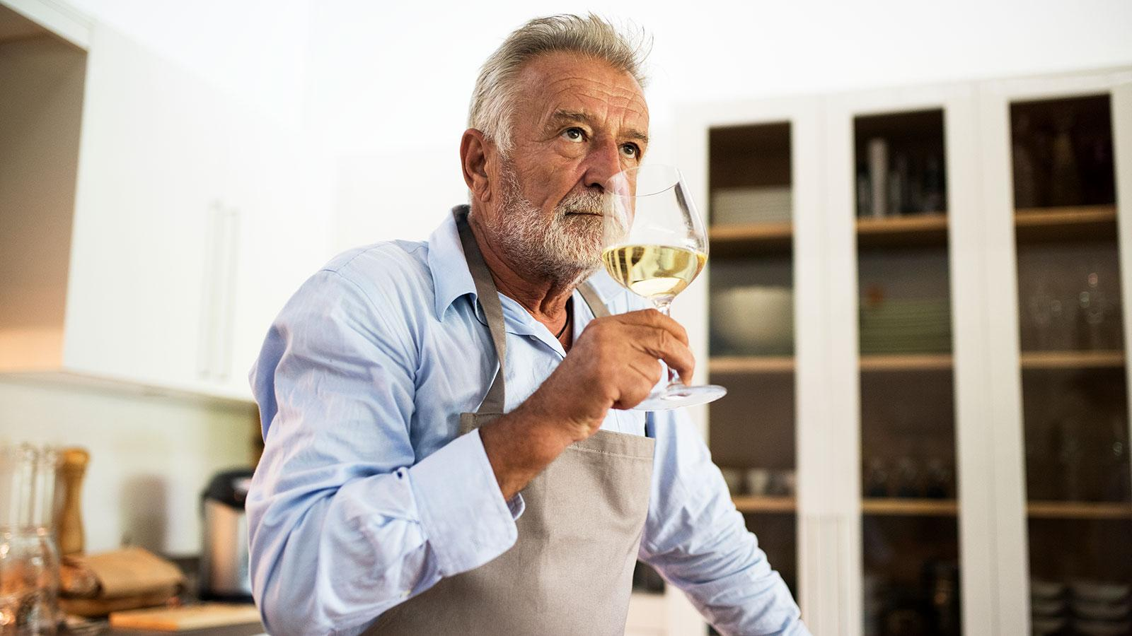 Moderate Wine Consumption Linked to Lower Risk of Lung Disease
