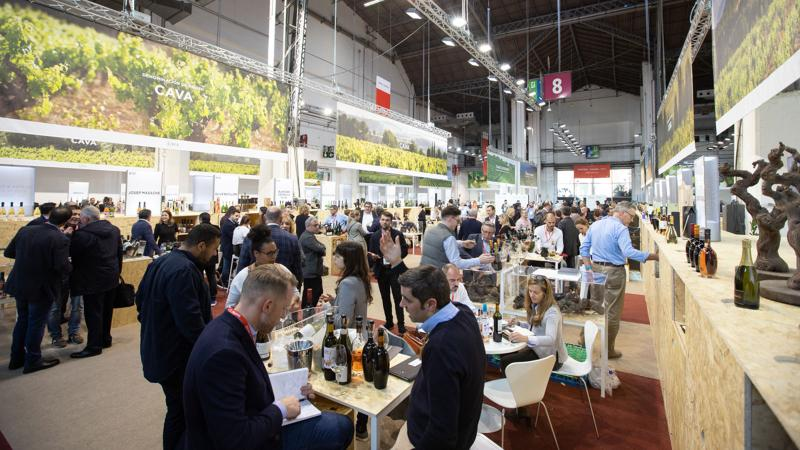 Spain Shines at the First Barcelona Wine Week