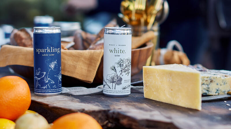 Canned wines and cheese